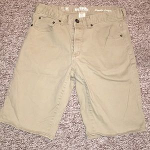 Men's Urban Pipeline tan colored shorts size 32""